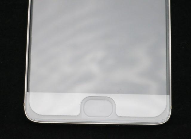 ディスプレイ保護ガラスを装着した状態 (下部)