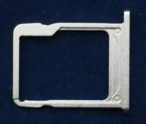 microSDカードトレイ