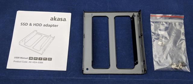 HDD/SSDマウンタのパッケージの内容物