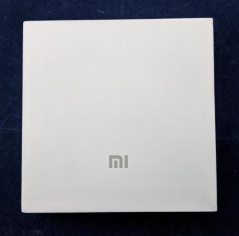 Xiaomi Car Chargerのパッケージ 表