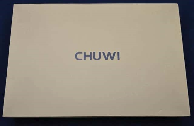 Chuwi Hipadのパッケージ 表