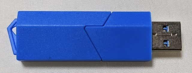USB3.0対応のSDカードリーダー 裏